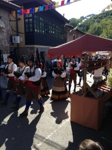 artesanía asturiana en cenera