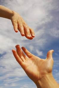 manos ayudando