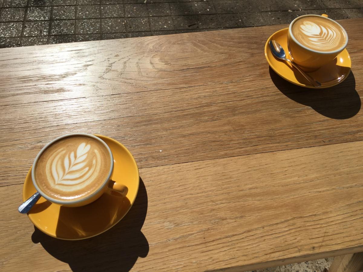 La delicia de elegir con quien tomar el café